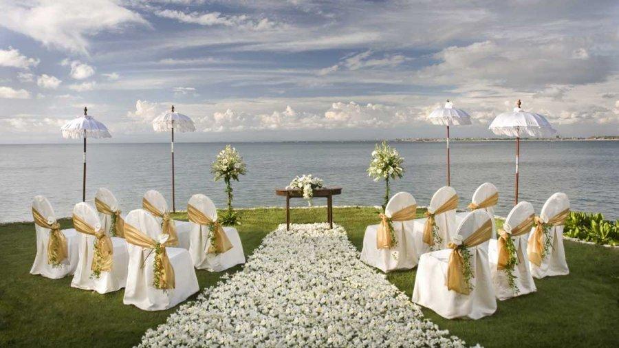 Выездная свадебная церемония: преимущества и недостатки