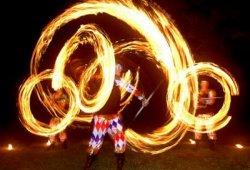 Вогняне шоу - гарне, видовищне і ефектне